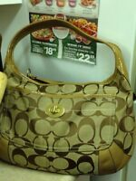GENTLY USED BEAUTIFUL COACH BAG FOR SALE.