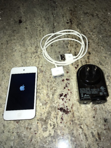 iPod Touch 4th Generation White 8GB