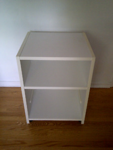 Sturdy Small White Bedside/Shelf Unit With Wheels