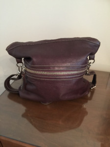 Roots leather purse