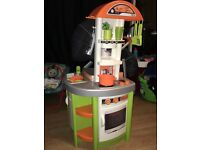 Play/childs/toy kitchen