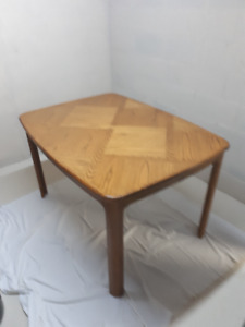 Solid Oak Table & 6 Chairs