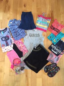Lot de vêtements d'été pour fille (grandeurs variées)