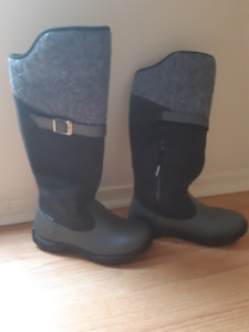 """Brand new como-urba """"Baffin"""" boots for only $120!"""