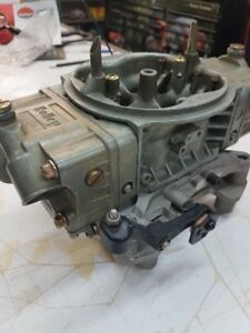 830 CFM Holley Carburetor