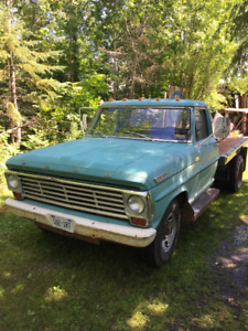 1967 Ford F-350 Flatbed Dually with Hoist