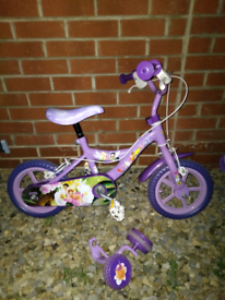 Bike with stabilisers