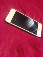 32 GB Blue Ipod Touch