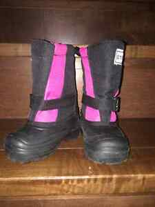 Size 6 Stonz Winter Boots