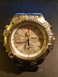 MINT SEIKO PAID $ 600.00 WAS $200.00 NOW $120.00 LETS DEAL!
