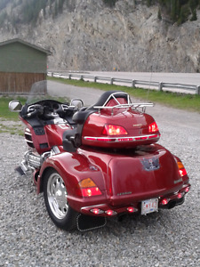 2001 goldwing trike only  47,000 kl