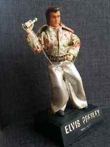 Figurine ELVIS PRESLEY radio intégrée