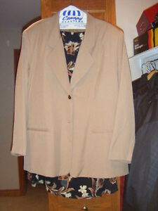 Ladies two piece outfits Windsor Region Ontario image 3