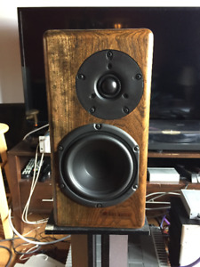 ARE AUDIO  light roast bookshelf speakers v2.0