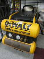 Dewalt D55154 4-gallon Twin Stack Air Compressor