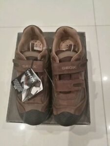 BRAND NEW GEOX Respira Shoes - boys US size 3.5/EUR 35