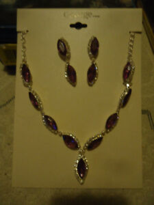PURPLE NECKLACE&EARRING SET BRAND NEW