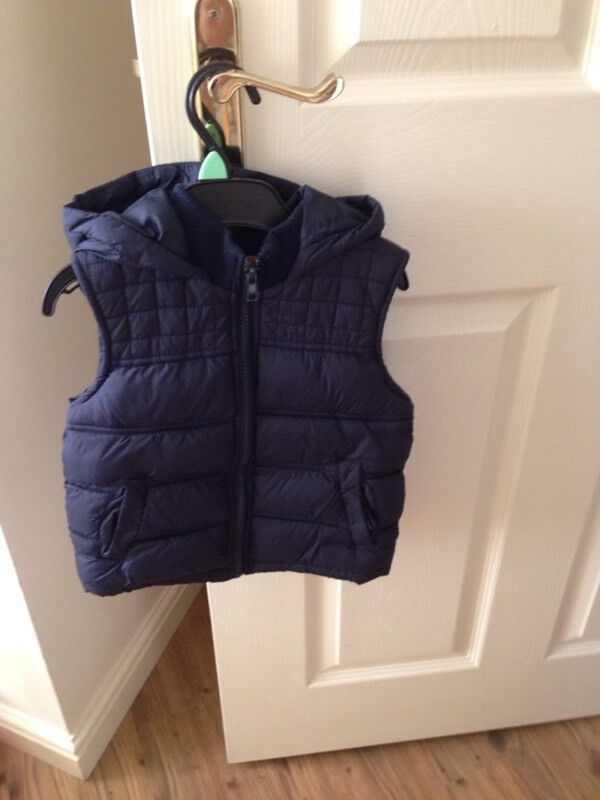 Boys gillet / body warmer navy with good size 18- 23 months 1.5- 2years