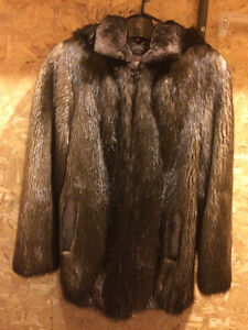 Brand New Women Long Hair Beaver Fur Coat - Size 12