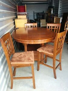 Mission Style Oak Pub/Counter Height Dinning Table WIth 4 Stools