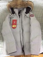 Canada goose ladies chelsea parka small brand new