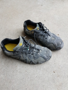 Terra work shoes size 11 worn once!