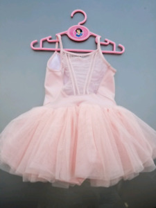 Ballerina outfit dress for dancing class new condition