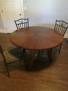 Dining table and 3 chairs