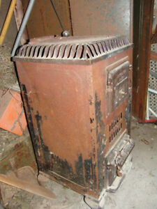 Vintage Antique findlay wood stove no.20. made in Grimsby