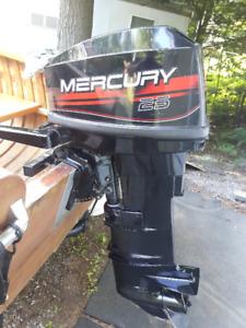 Moteur Mercury hors bord 25 forces