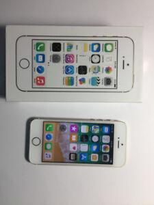Apple iphone 5S Gold 16G Unlocked, NEW(10/10) $200