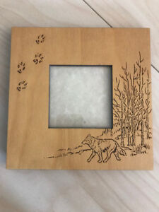 Wolf-etched photo frame