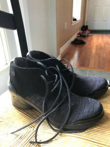 BZee Spring Fall boots