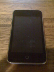 Apple iPod Touch 2nd Generation With Charger!