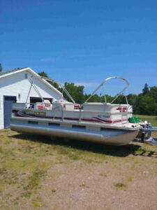 21' Princecraft Pontoon Boat with 50hp 4 Stroke and Trailer inc.