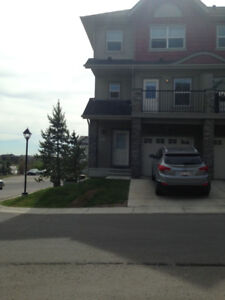 Lakeview Townhouse for Rent *Flexible Lease Duration