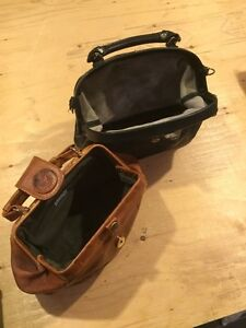 """Vintage """"Doctor"""" Purse bags and antique leather wallet-purse Cambridge Kitchener Area image 2"""