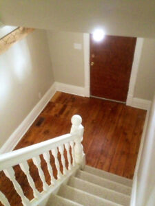 ATTENTION: 5 Bedroom Student House, all incl. w laundry $435 p/r