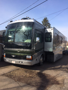 2007 Fleetwood Discovery Diesel Pusher