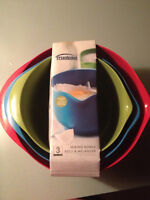3 colourful new mixing bowls