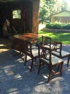Duncan Fyfe dinning table a 4 chairs Kawartha Lakes Peterborough Area image 2