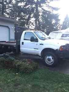2001 Ford F-550 Pickup Truck