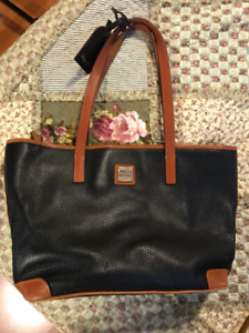 SheSells - Dooney and Bourke Leather Purse