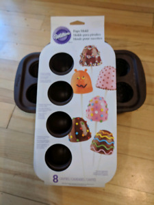 Wilton brownies or mini cakes molds