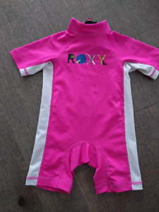 Maillot une pièce Roxy 2T comme neuf