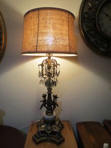Lampe chérubin en excellent état.