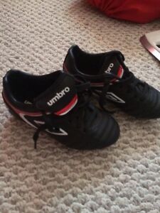 Umbro youth soccer cleats size 11 Youth