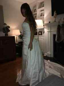 Gorgeous Hand Beeded Crystal Wedding Gown with Cathedral Train West Island Greater Montréal image 4