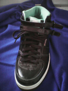 NEW PRICE. Womans sneakers.