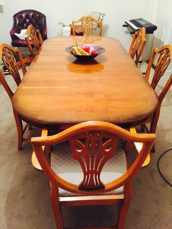 Bradley Yew Harrods Dining Table